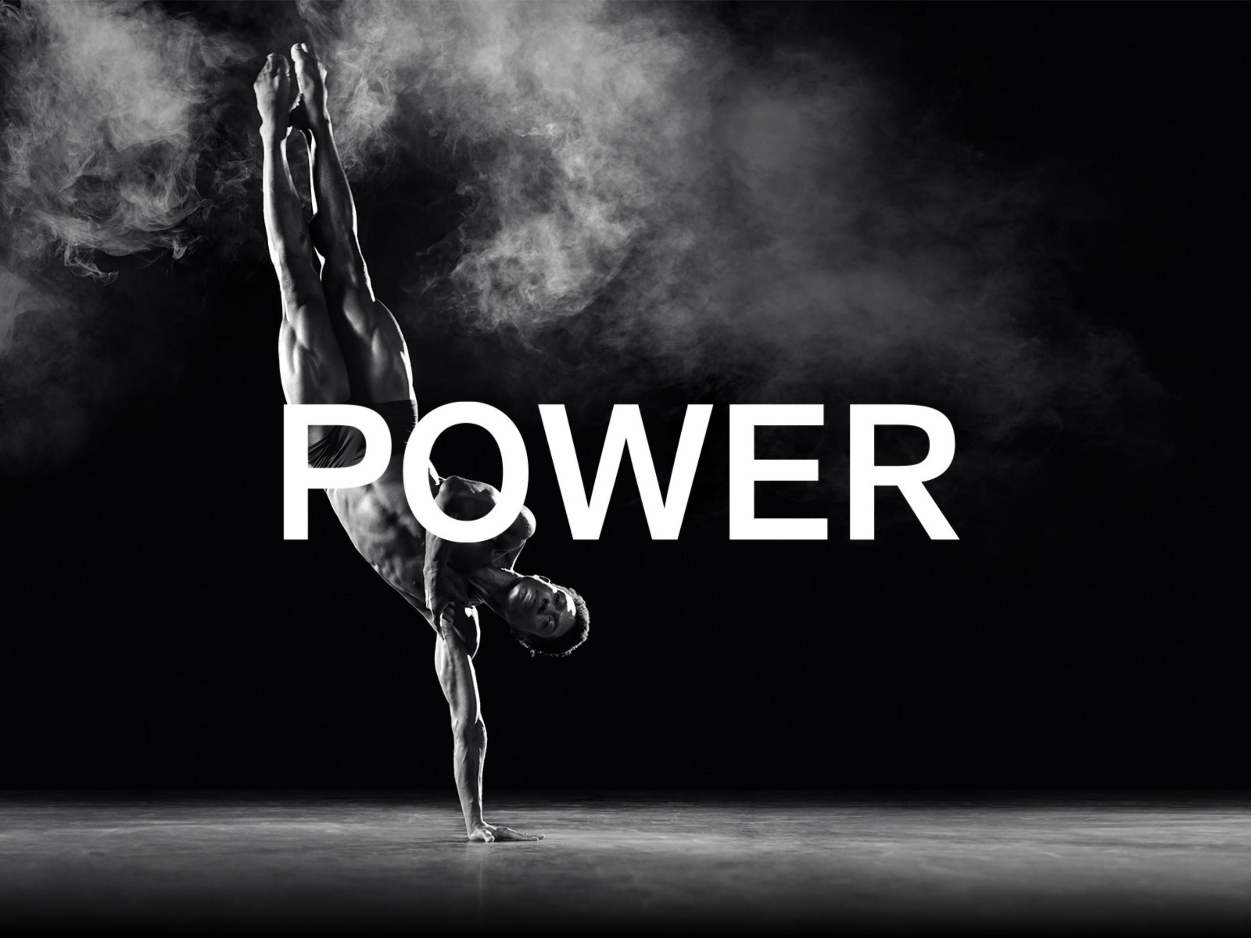 De krachtige fotografie bij dit campagneconcept werd opgebouwd rond de drie krachttermen van hun nieuwe brand story: power, silence en connect